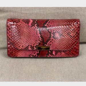 Gucci Snake Print Clutch (Pink)